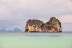 Montagna sul mare Fotografia Stock Libera da Diritti