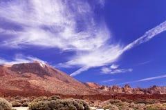 Montagna Teide con cielo blu e le nuvole Immagini Stock Libere da Diritti