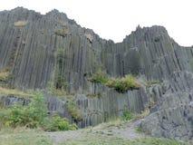 Montagne énorme de roche Images libres de droits