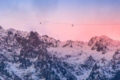 Montagne al tramonto, Chamonix-Mont-Blanc, Francia della neve immagini stock libere da diritti