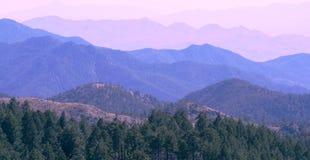 Montagne après montagne Photographie stock libre de droits