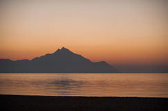 Montagne Athos au coucher du soleil Images stock