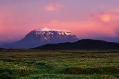 Montagne au coucher du soleil images stock