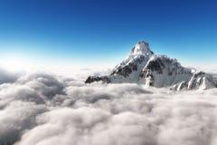 Montagne au-dessus des nuages Photographie stock libre de droits
