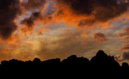MONTAGNE AU LEVER DE SOLEIL photographie stock libre de droits