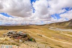 Montagne avec le ciel bleu Photos libres de droits