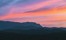 Montagne avec le ciel doux Images libres de droits