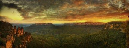 Montagne blu tre sorelle immagine stock libera da diritti
