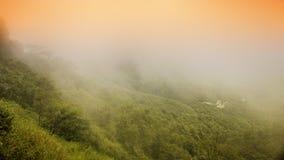 Montagne brumeuse Photos libres de droits