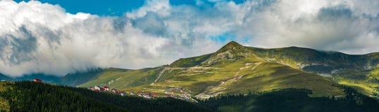 Montagne carpatiche fotografie stock libere da diritti