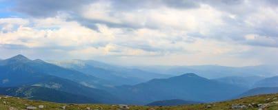 Montagne carpatiche di panorama Fotografia Stock Libera da Diritti