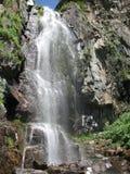 Montagne, cascade Photographie stock libre de droits