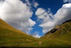 Montagne caucasiche selvagge Fotografie Stock