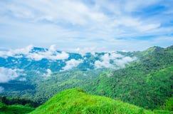 Montagne, cha?ne de montagne, Alpes europ?ens, coucher du soleil, automne photographie stock libre de droits