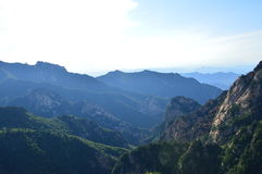 Montagne chinoise avec des arbres Image libre de droits
