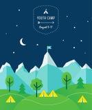 Montagne, colline, alberi e tende sui precedenti del cielo notturno Disposizione del manifesto del campo della tenda Fotografia Stock Libera da Diritti