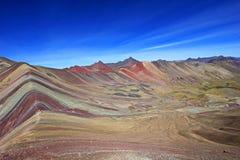 Montagne colorée d'arc-en-ciel Photos libres de droits