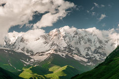 Montagne con i ghiacciai Fotografie Stock