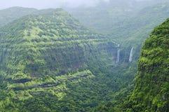 Montagne con le cascate nel ghat di Varandha, Pune Immagine Stock Libera da Diritti