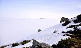 Montagne coperte di neve fotografie stock libere da diritti