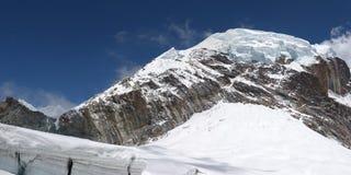 montagne couronnée Népal de l'Himalaya de glacier Photos libres de droits
