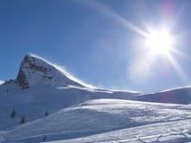 Montagne couverte par neige Images libres de droits