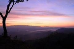 montagne crépusculaire image libre de droits