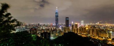 Montagne d'éléphant, le meilleur point de vue de ville de Taïpeh Photographie stock libre de droits