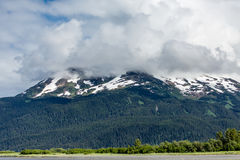 Montagne d'Alasca ricoperte neve Immagine Stock Libera da Diritti