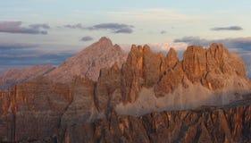 Montagne d'Antelao au coucher du soleil Image stock