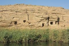 Montagne d'EL Silsila de Gebel en Egypte sur le Nil photo stock