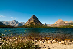 Montagne da Swiftcurrent Lake, ghiacciaio P nazionale Immagine Stock Libera da Diritti