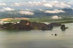 Montagne dans l'océan Image stock