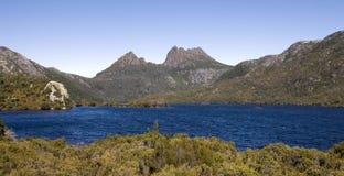 Montagne de berceau en Tasmanie images stock