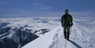 montagne de blanc de mont - dessus des alpes Photo stock