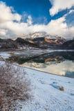 Montagne de bubale de lac photo stock