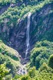 Montagne de cascade Photo stock