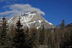 Montagne de dessus de nuage Images libres de droits