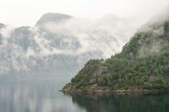 Montagne de fjord photos stock