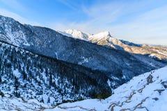 Montagne de Giewont en hiver au lever de soleil Photos libres de droits