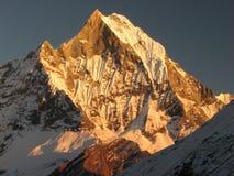 montagne de lueur Images stock