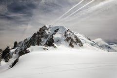 Montagne de Mont Blanc, vue de bâti d'Aiguille du Midi, France Images libres de droits