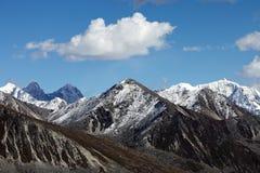 Montagne de neige Images libres de droits