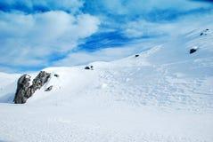 Montagne de neige photographie stock libre de droits