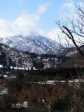 Montagne de neige chez Shirakawago Photo stock
