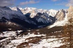Montagne de neige d'Alpes Image libre de droits