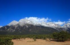 Montagne de neige de dragon de jade Photo stock