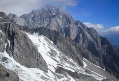 Montagne de neige de dragon de jade Photographie stock libre de droits