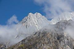 Montagne de neige en parc de nation en Chin photo stock