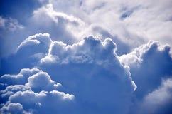 Montagne de nuage Images libres de droits